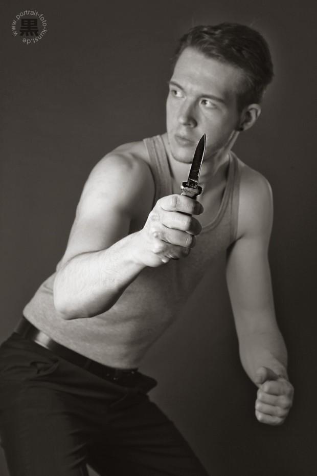 Der Messerkampf: Das Motiv des Gangster mit Messer