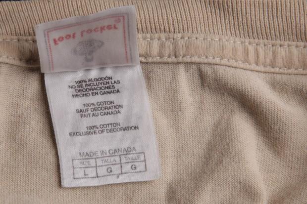 Wäscheetikett eines ganz normalen T-Shirts