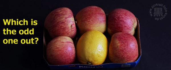 """Zitrone oder Apfel? Fotowettbewerbe und das Spiel """"Wich one is the odd one out?"""" habe eine Sache gemeinsam: Nur eine kleine Zahl der Teilnehmer fällt auf. Der rest hat mit """"sauren Äpfeln"""" gehandelt."""