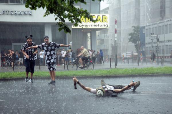 CSD-Berlin-Regen-Tanz